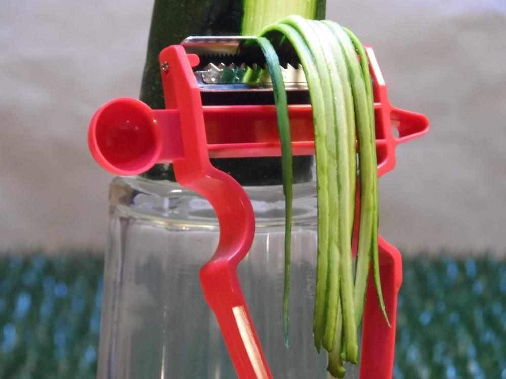 MiniSlicer - Kit Descasca Tudo - Ralador Fatiador Descascador Frutas Legumes (3 peças) - Loja Oficial   XploudShop